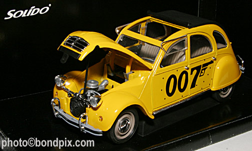 james bond 007 toy vehicles citroen 2cv from solido for sale. Black Bedroom Furniture Sets. Home Design Ideas